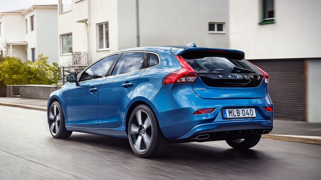 Volvo V40 Price in India, Specifications, Mileage, Photos