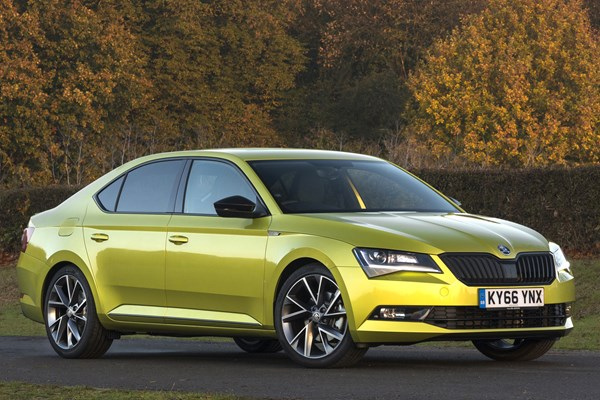 Skoda Superb Specifications, Price, Mileage, Pics, Review