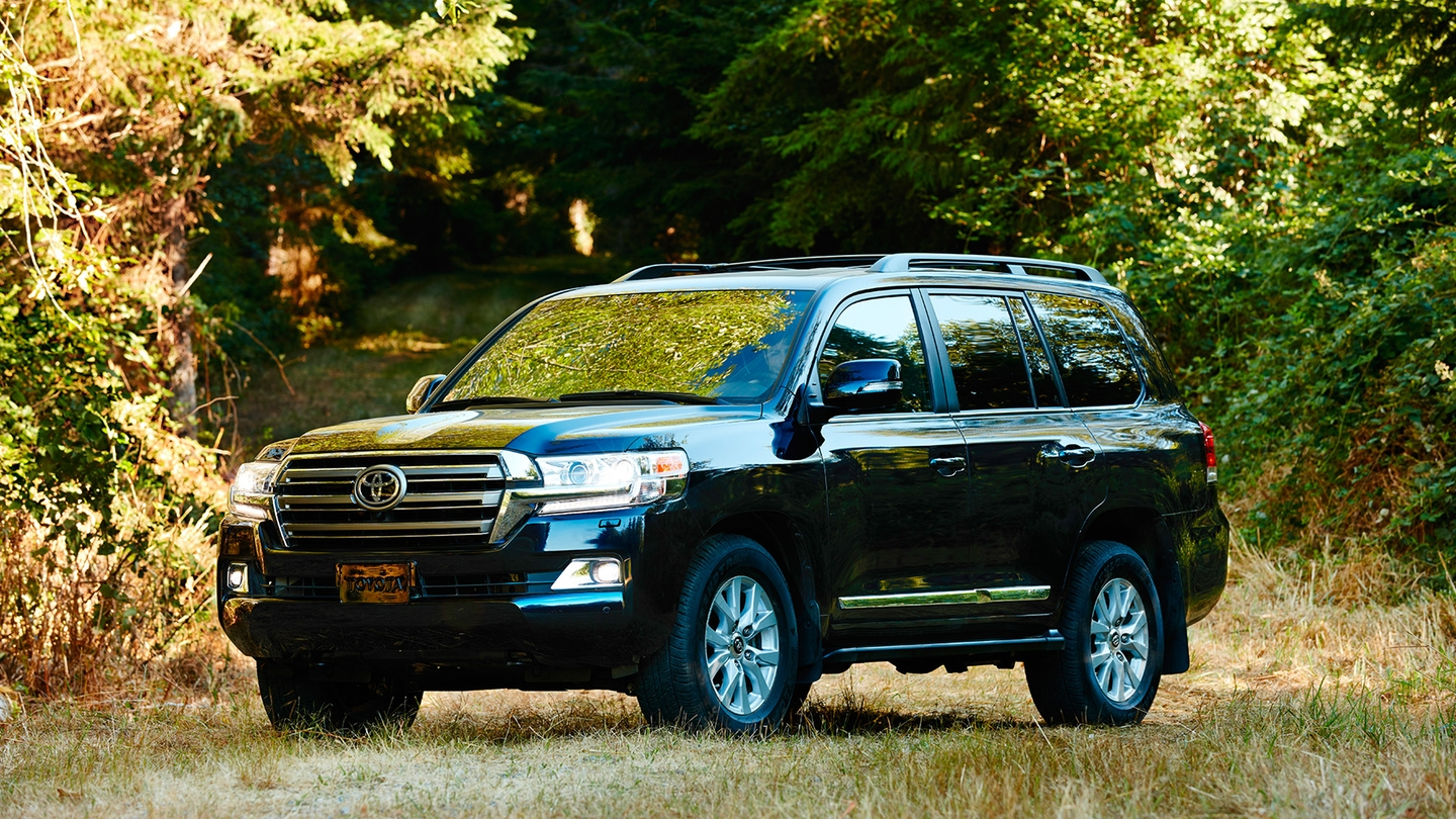 Toyota Land Cruiser Specifications, Price, Mileage, Pics, Review