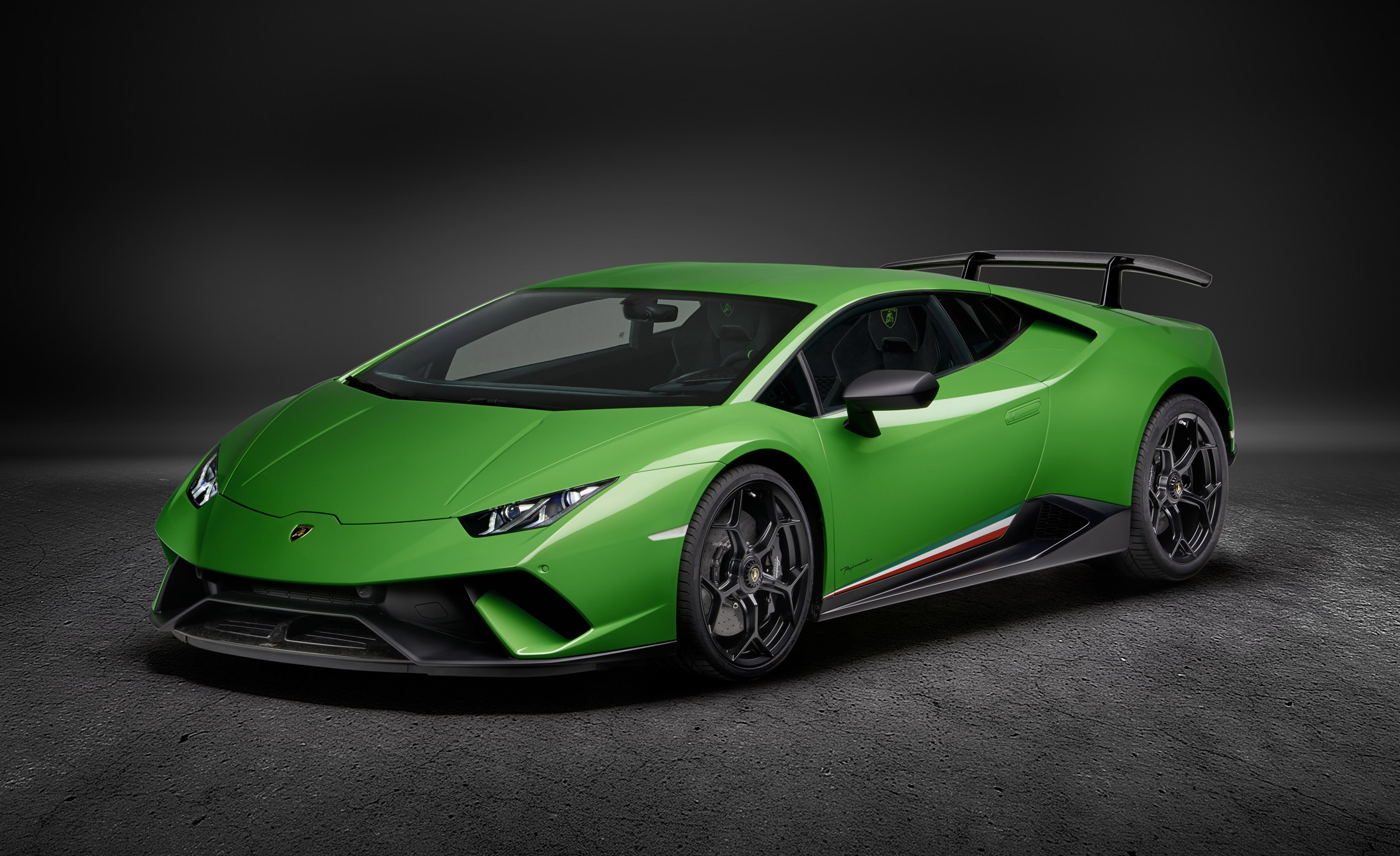 Lamborghini Huracan Specifications, Price, Mileage, Pics, Review